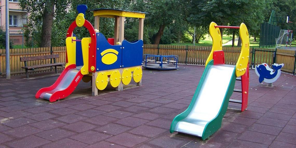 В Свердловской области ребенок умер после катания на оборудованной горке