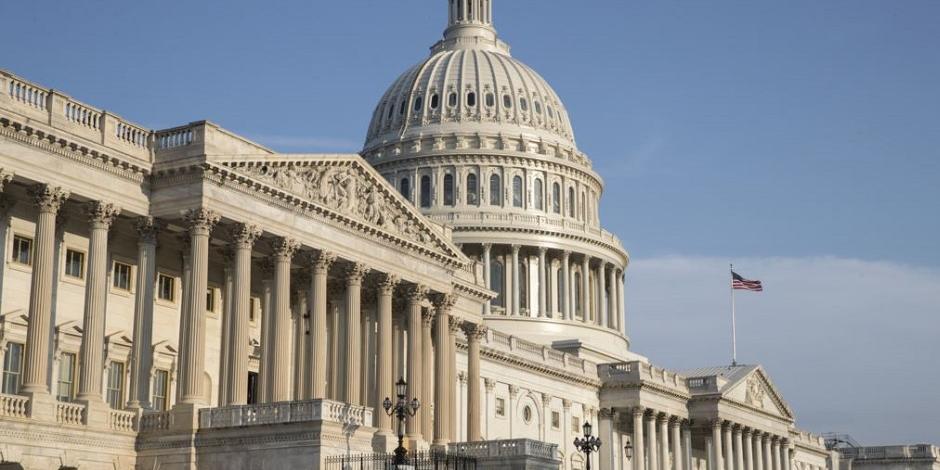 В Сенате США призвали к срочному диалогу с Россией после слов Путина о новом оружии