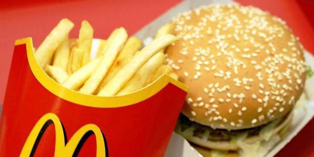 Ученые опровергли миф о связи фастфуда с ожирением