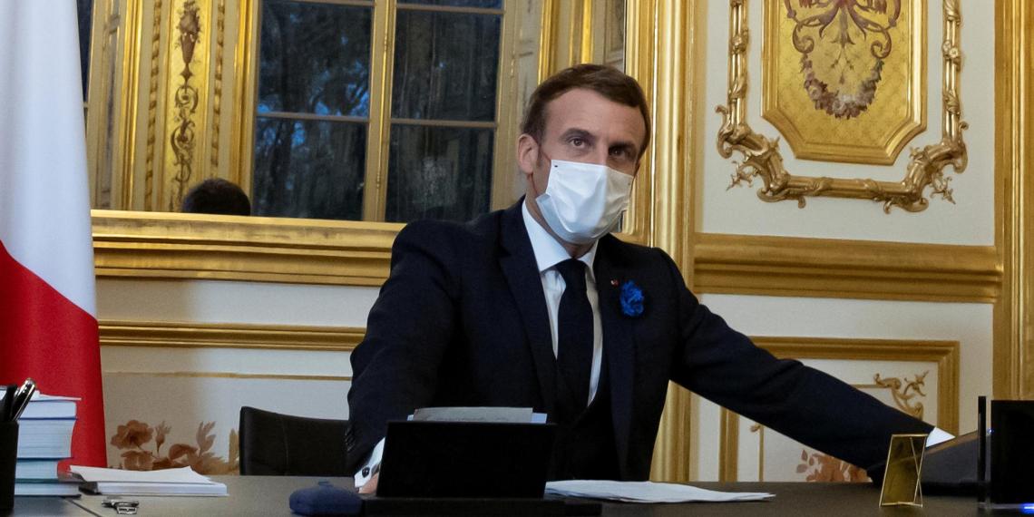 Французские отставные полицейские опубликовали третье письмо Макрону