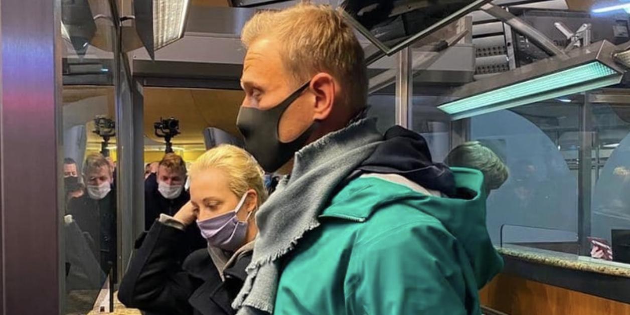 ФСИН: находившийся в розыске c декабря блогер задержан по прилёте в Москву
