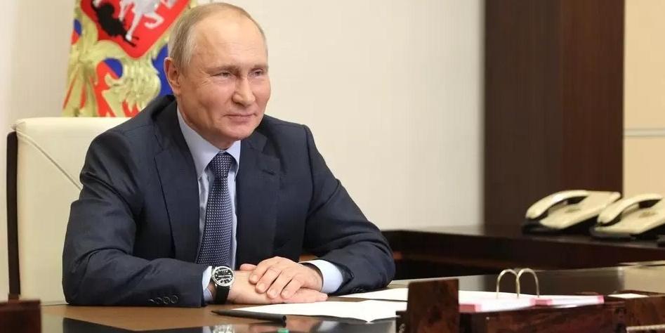Путин отметил важность волонтерских программ по профилактике социального одиночества