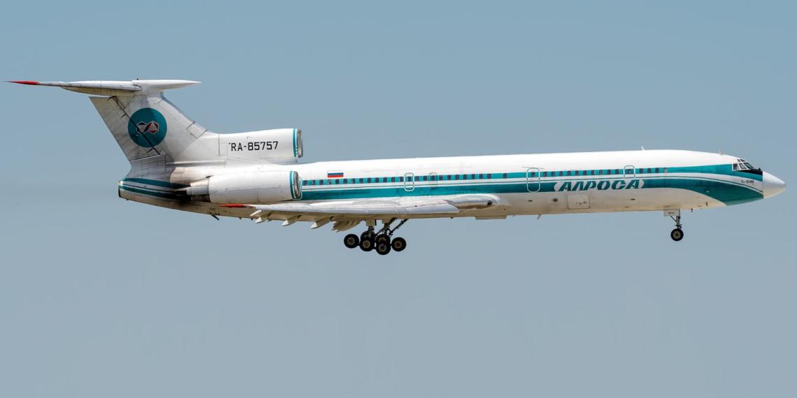 Ту-154 выполнил последний гражданский рейс в России