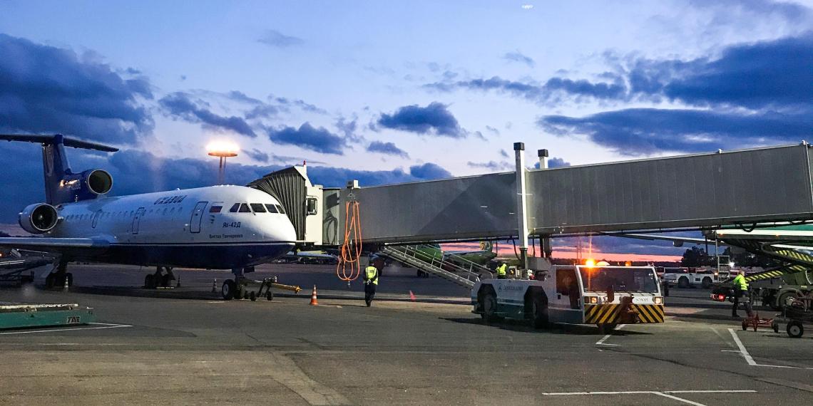 Россиянам с иностранным паспортом разрешили покинуть страну