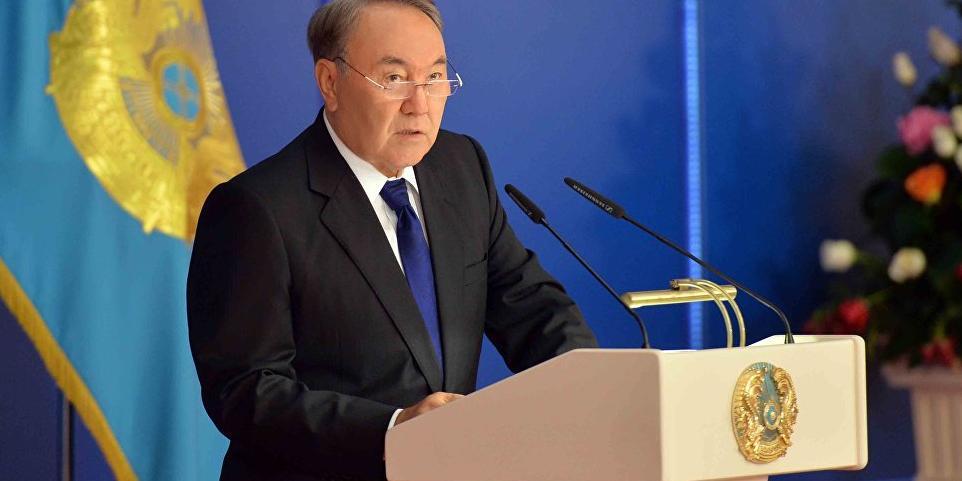 Президент Казахстана приказал убрать русский язык с монет и банкнот