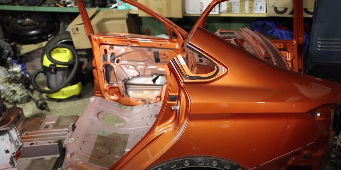 Блогер распилил Lada Vesta и показал серьезные проблемы ее кузова