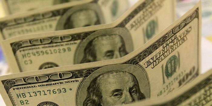 Путин заявил о недопустимости увеличения госдолга
