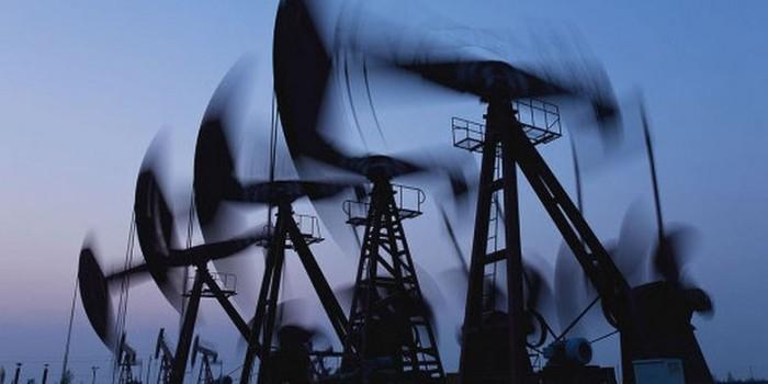 """Bloomberg: российские нефтяники готовятся к """"битве за налоги"""""""