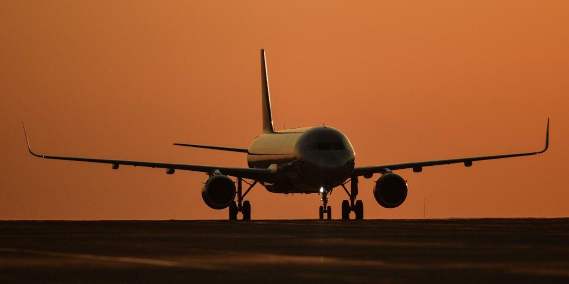 Туроператорам, возящим клиентов грузопассажирскими рейсами, закроют лазейку