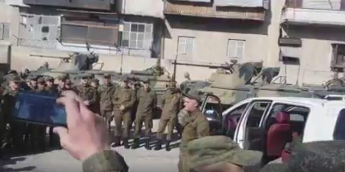 Российский солдат прочитал рэп на улице Алеппо