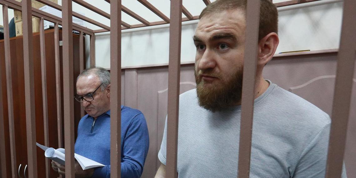 Суд отменил продление ареста экс-сенатору Арашукову и его отцу