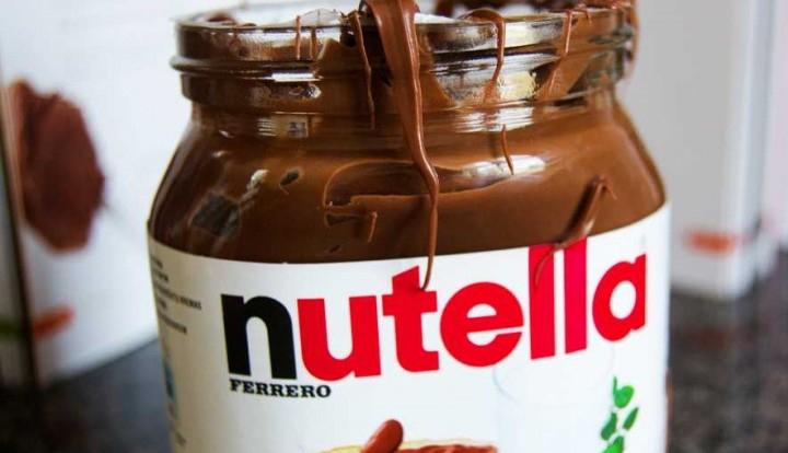 Итальянец пытался провезти 130 тысяч евро в двух банках Nutella