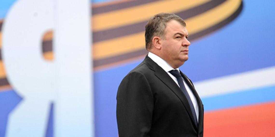 Сердюков перестанет курировать Объединенную авиастроительную корпорацию