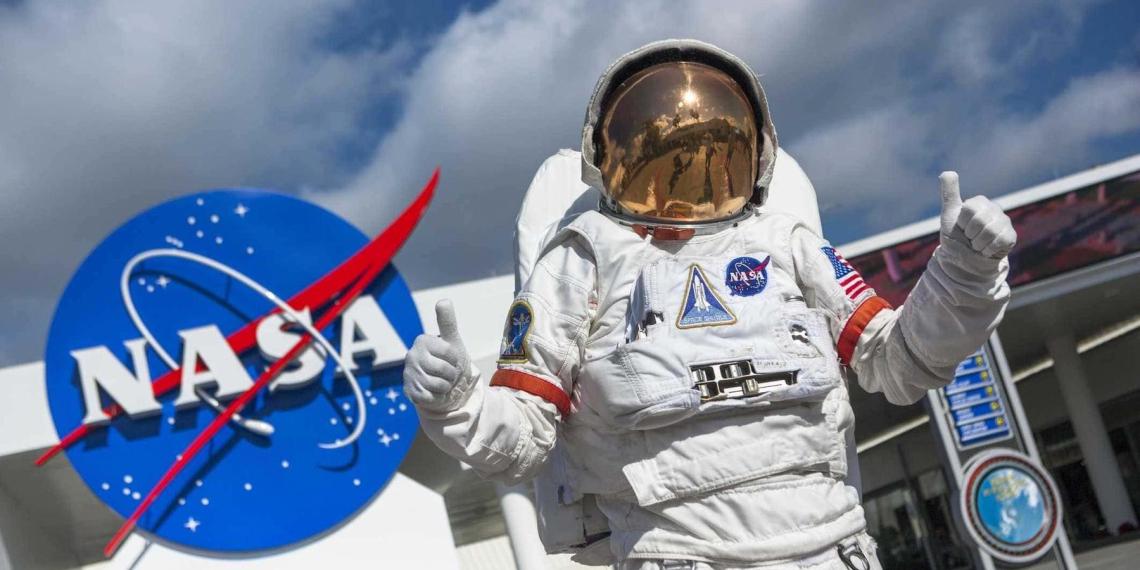 Кандидата на пост главы представительства NASA не пустили в Россию