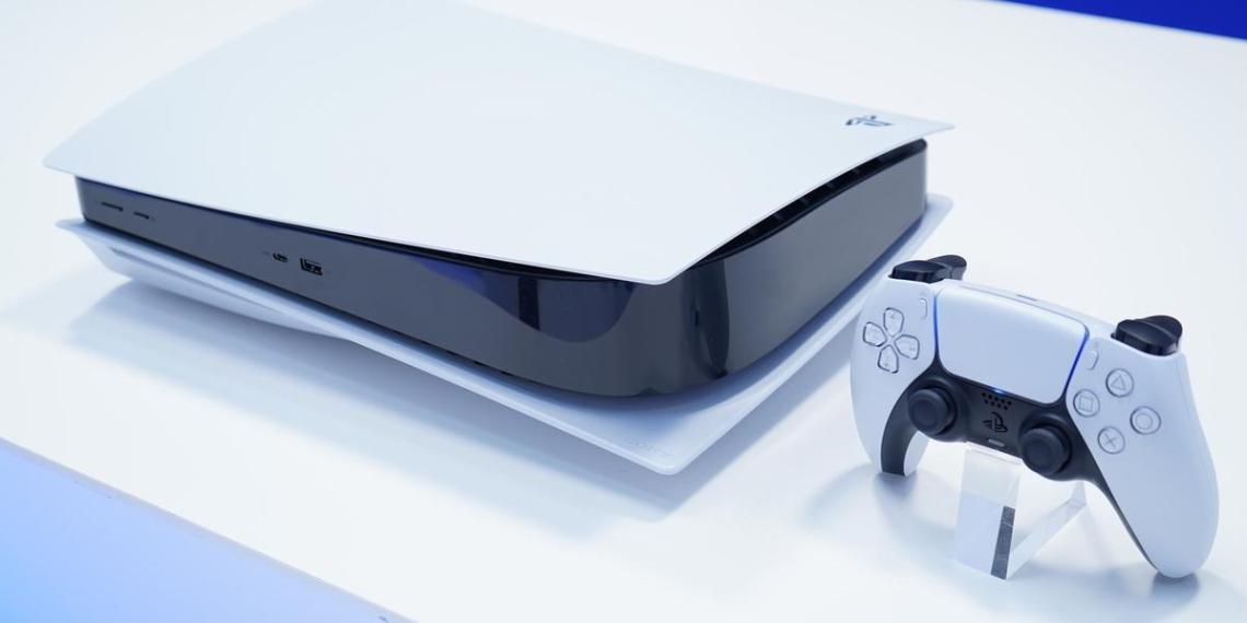 На Avito предлагают за деньги сфотографироваться с Playstation 5 или коробкой от нее