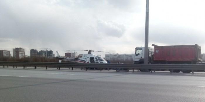 В Петербурге вертолет столкнулся с грузовиком