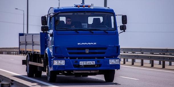 В сети появилось видео самого масштабного испытания беспилотных автомобилей в России