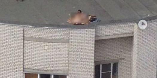 Житель Воронежа заснял любителей экстремального секса на крыше многоэтажки