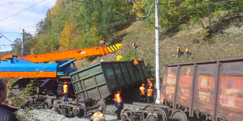 В Иркутской области сошли с рельсов 13 грузовых вагонов