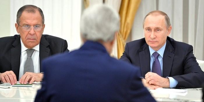 """Керри рассказал о """"прямом и откровенном"""" разговоре с Путиным"""
