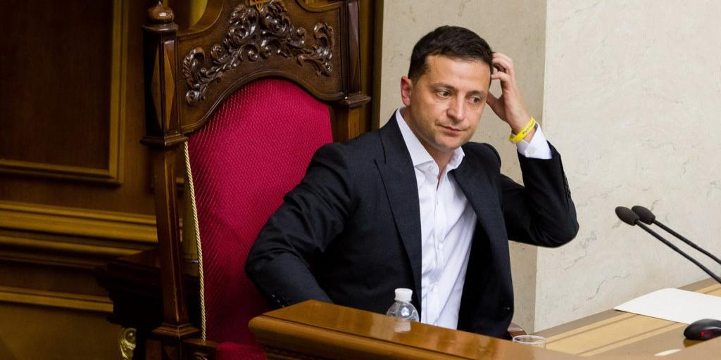 Зеленский счел невозможным объяснить украинцам отказ от российской вакцины