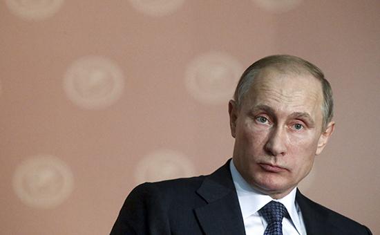 Владимир Путин возмутился росту цен на нефтепродукты при дешевеющей нефти