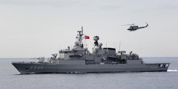 Мятежники захватили турецкий фрегат и командующего флотом