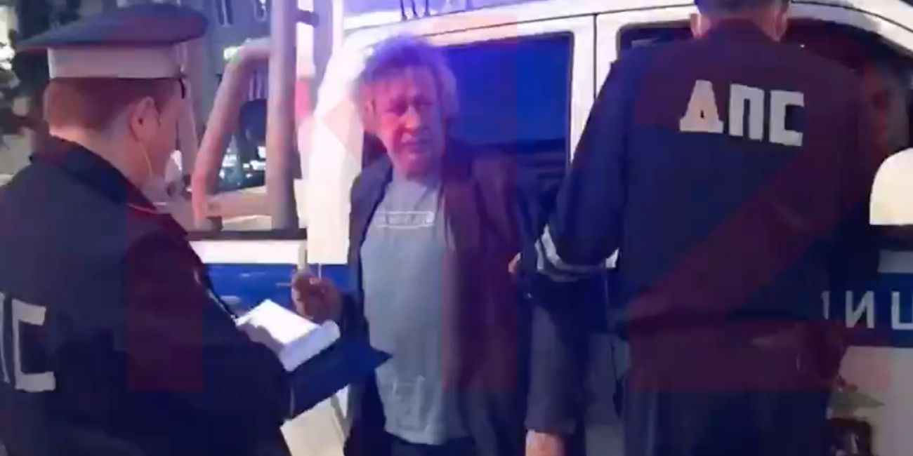 """Адвокат Ефремова: семья погибшего пытается """"заработать"""""""