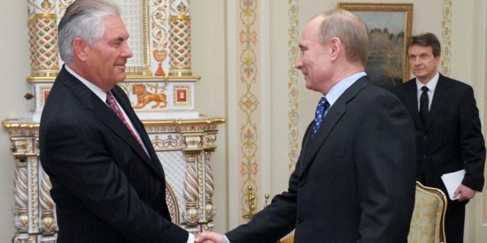 В Кремле объяснили, за что Путин наградил возможного главу Госдепа