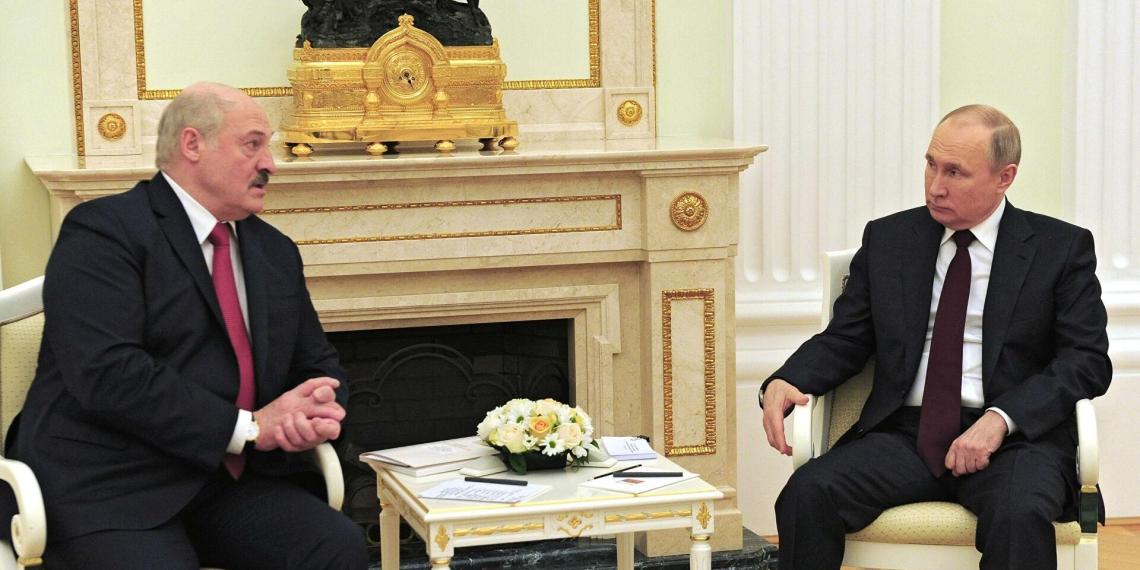 Лукашенко в разговоре с Путиным посоветовал Зеленскому учиться дипломатии