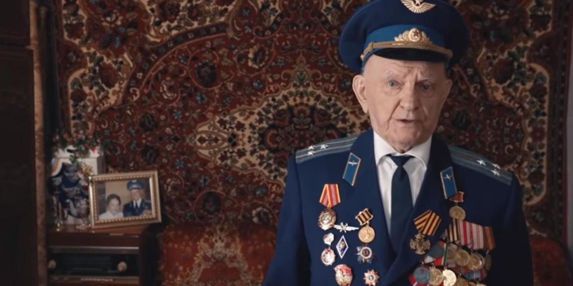 Адвокат Зорин предложил помощь ветерану Великой Отечественной войны в защите от оскорблений Навального