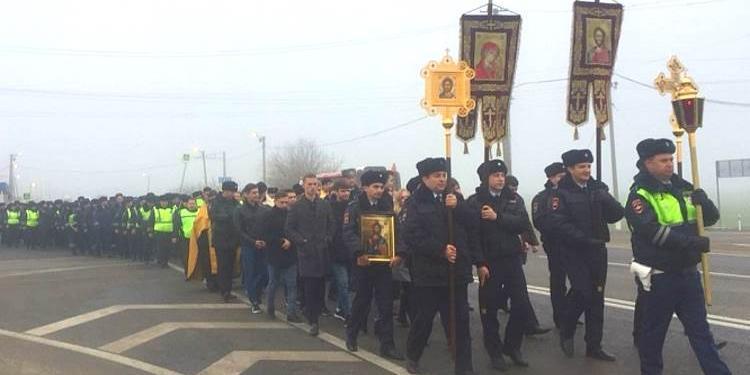 Краснодарская полиция посчитала, что крестный ход гаишников не имеет отношения к религии