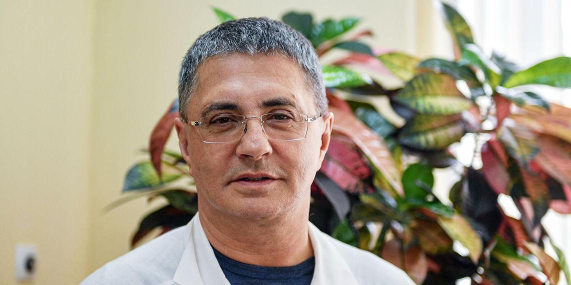 Доктор Мясников удивился страху россиян перед вакцинацией