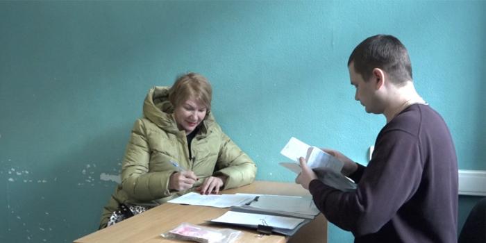 Пенсионерка отнесла в полицию найденные 250 000 рублей и получила от владельца пожелания здоровья