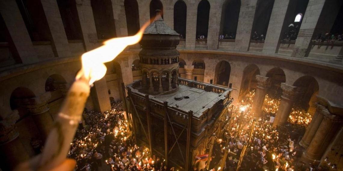 Представителей ПЦУ не пустили встречать Благодатный огонь в храме Гроба Господня