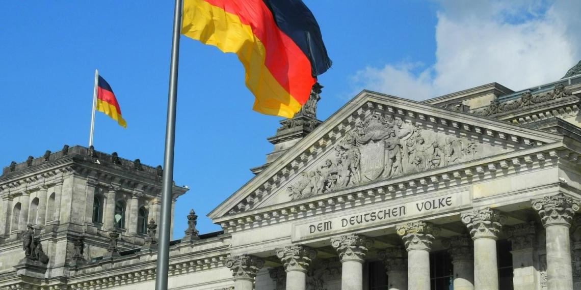 В Германии 100-летнего надзирателя концлагеря Заксенхаузен обвинили в соучастии в 3518 убийствах