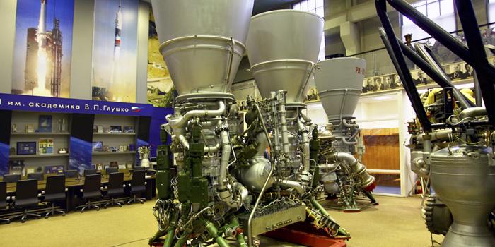 Маккейн раскритиковал ВВС США за то, что они не отказались от ракетных двигателей из РФ