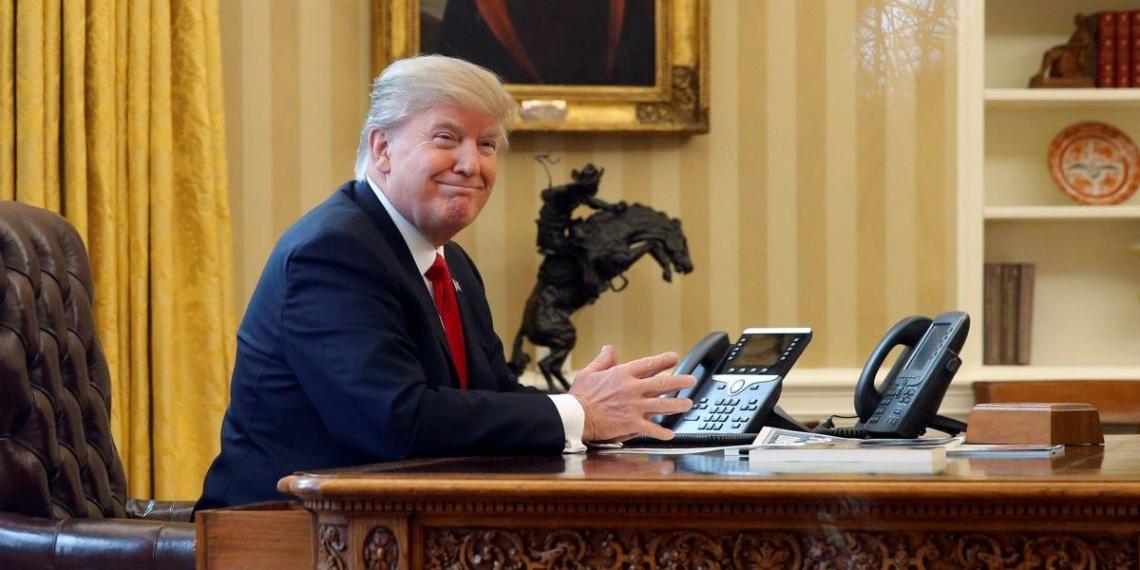 """Трамп """"зачистил"""" Белый дом от свидетельствовавших против него сотрудников"""