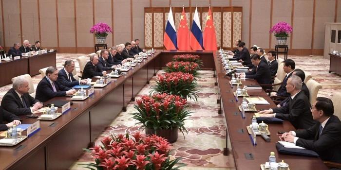 Путин заявил о преодолении спада в торгово-экономических связях с Китаем