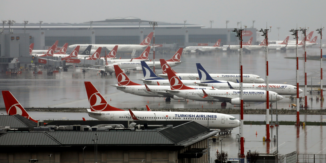 Bloomberg озвучил сроки возобновления полетов из России в Турцию