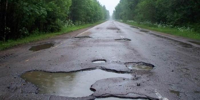 """Дальнобойщики из движения """"12 тонн"""" устроят всероссийский флешмоб с призывом ремонтировать дороги"""