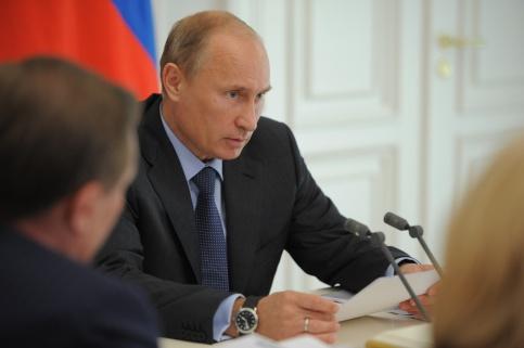 Владимир Путин ввел запрет на поставки продуктов из стран, которые ввели санкции против России