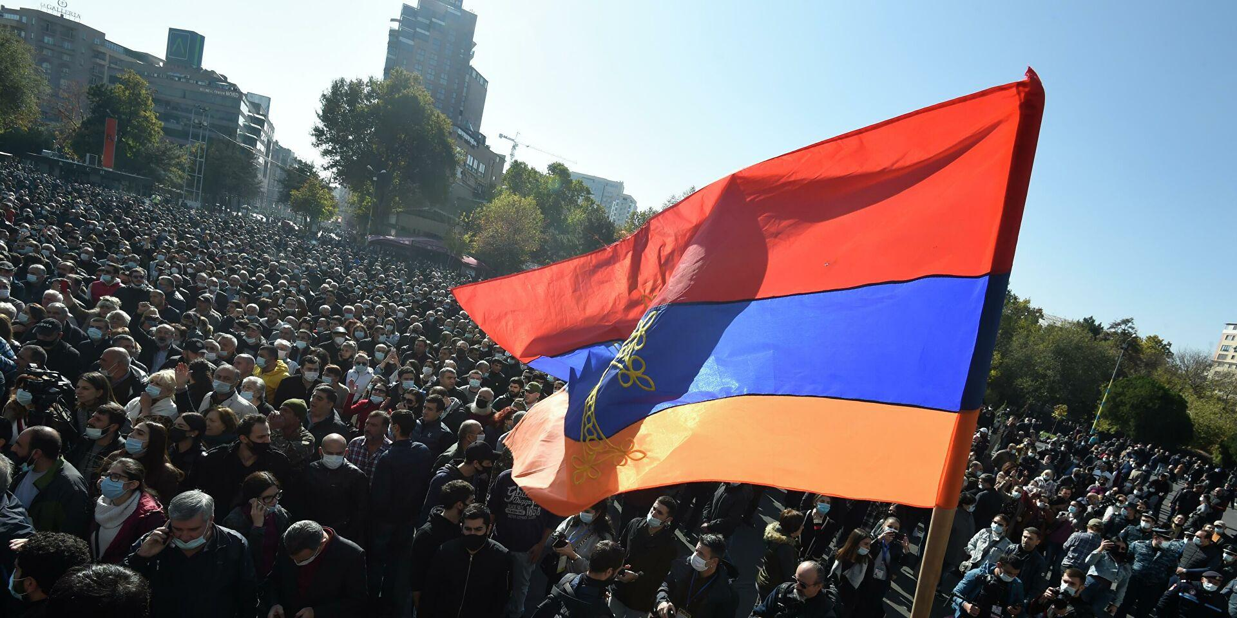 В Ереване митингующие выдвинули ультиматум Пашиняну