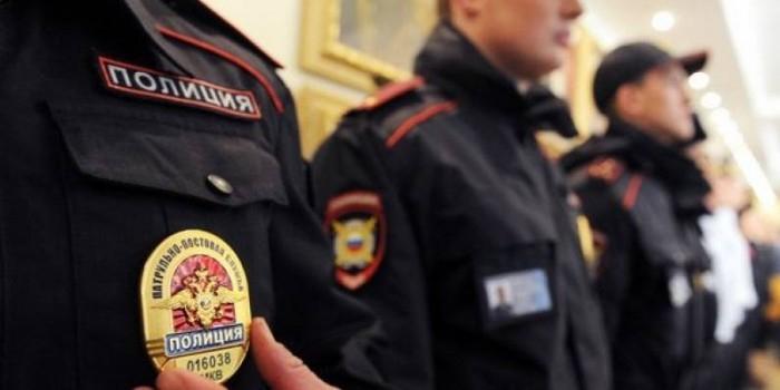 Пьяные якутские полицейские избили коллегу гирей