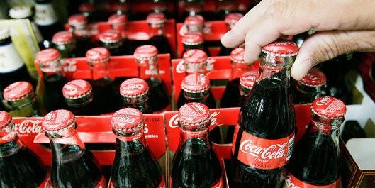 СМИ: депутат предложил запретить ввоз продукции Coca-Cola и Pepsi в РФ