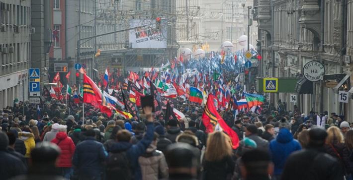 """50 тысяч участников """"Антимайдана"""" - фоторепортаж"""