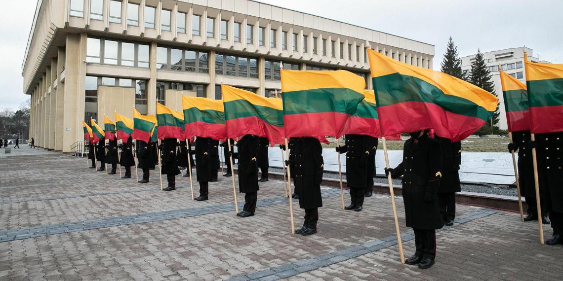 Литовцев поймали на воровстве еды у американских военных