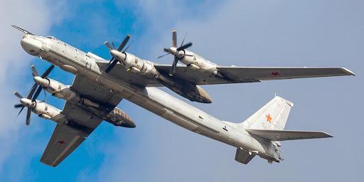 Четыре Ту-95МС совершили 11-часовой перелет над северными морями