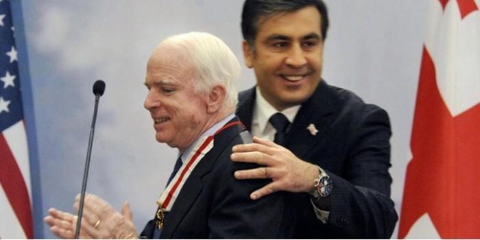 Маккейн и Саакашвили вошли в состав совета по реформированию Украины