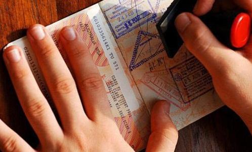 Украинцам с биометрическими паспортами массово отказывают в выдаче Шенгенских виз